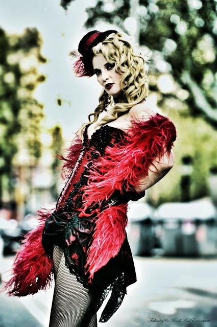 Corsés, Richard War, corsés Barcelona, comprar corsés, venta de corsés, corsés elegantes, corsés hechos a mano, corsés para fiestas, diseño de moda, diseño de corsés